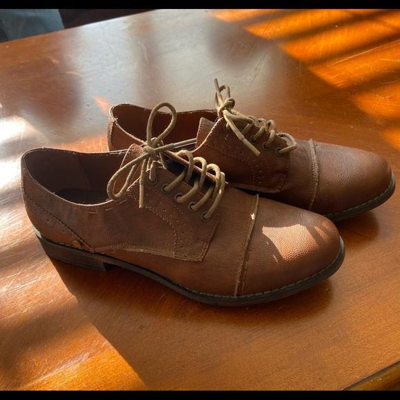 Women's Crown Vintage Shoes